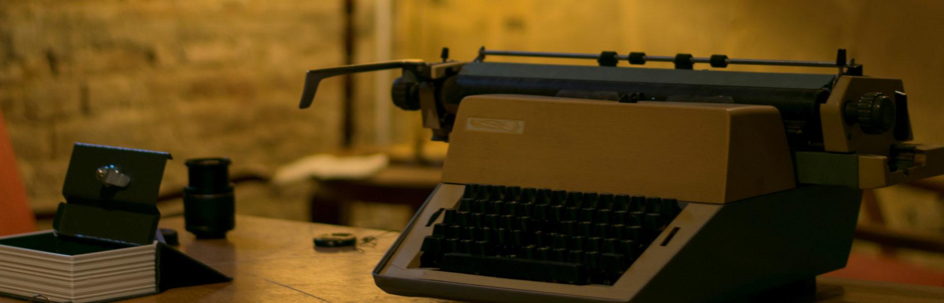 Code13 szabadulószoba írógép
